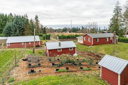 Whidbey Farm House and Orchard