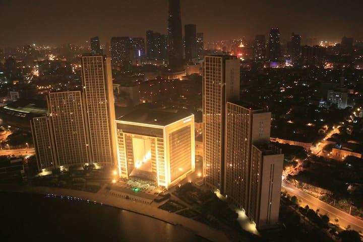 步行可至80%的景点,近天津站,房间很干净舒适清爽哦..青年人的乌托邦 - Tianjin