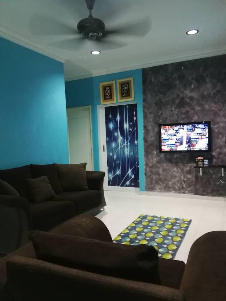 Ruang Tamu aircond, Sofa, Tv dan astro