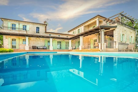 Villa Romana - Luxury Villa with Swimming Pool