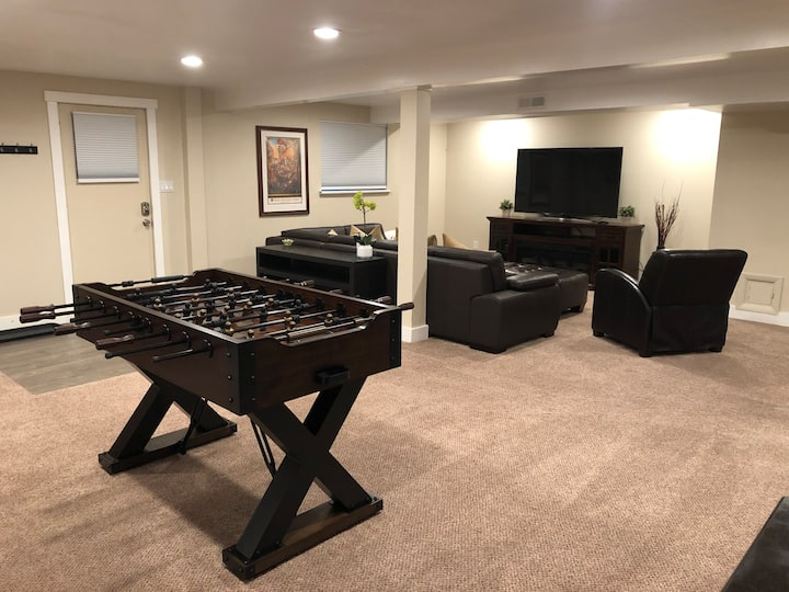 Updated, Well Lit, Large 3 Bed/2 Bath Suite