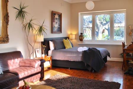 Charming Studio in Bayside Hotspot! - Ripponlea - Huoneisto