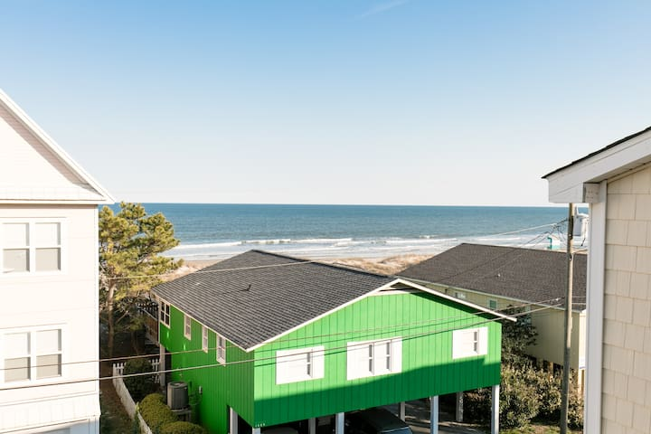 Sunny, family-friendly Oceanview Condo - Carolina Beach - Lyxvåning