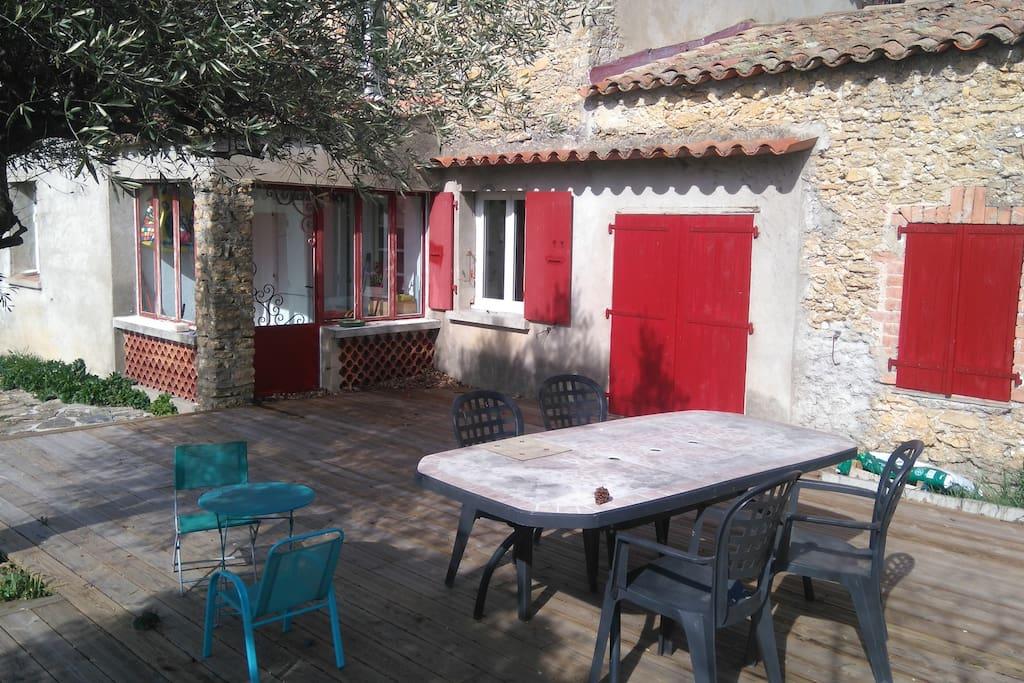 Terrasse (Salon de jardin pour les grands et les petits)