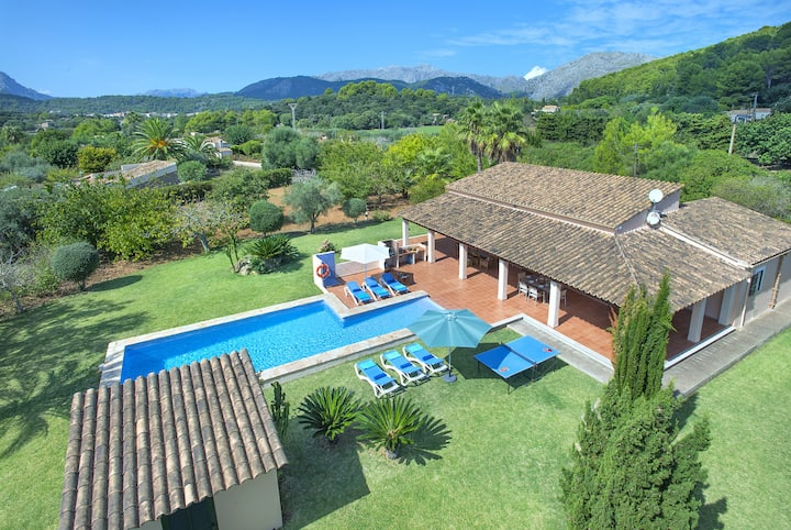 Enjoy in Villa Romeu Walking Distance to the Old Town
