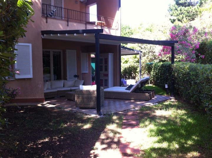 Appartamento Isola 'Elba- Capo d'Arco con giardino