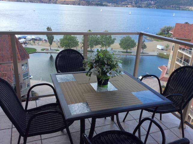 Waterfront, Lake View, 2Bed Condo - Kelowna - Apartament