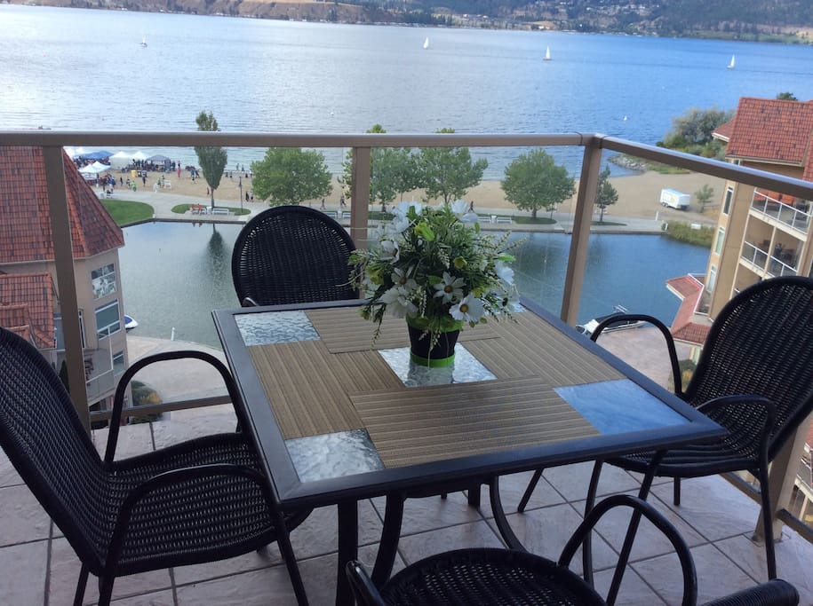 Waterfront Lake View 2 Bedrooms Condo Apartments For Rent In Kelowna British Columbia Canada