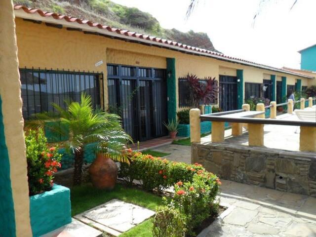 Hermosa Villa en la mejor zona - Pampatar - Villa