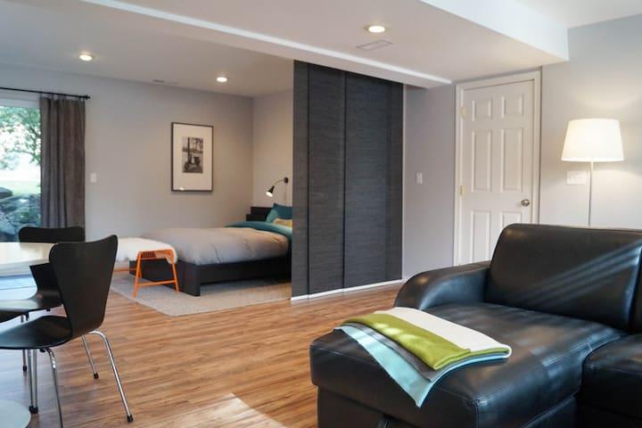 Brand New and Modern Apartment - Kirkland - Leilighet