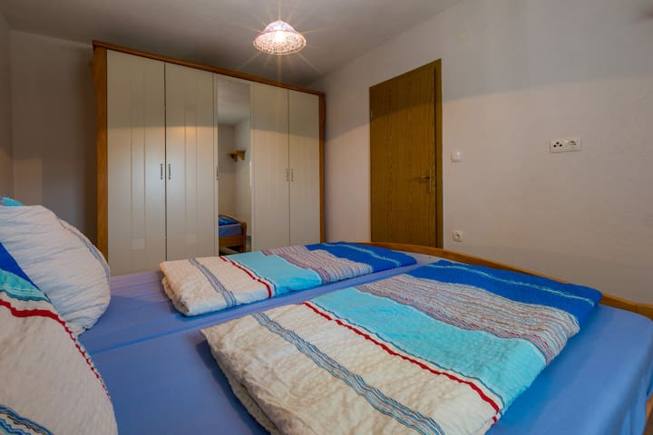 Pine Apartment no.1, Klenovica (4+2pers./ 2bedr.)