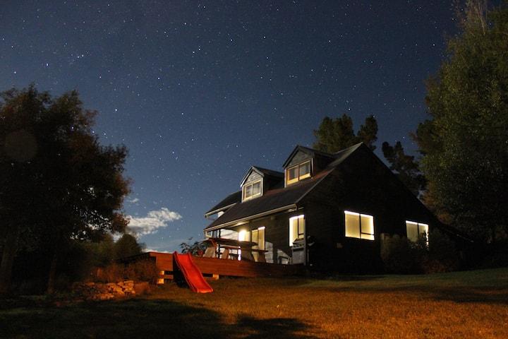 """""""Starry Night"""" Ski Cabin - Tekapo - Burke's Pass"""