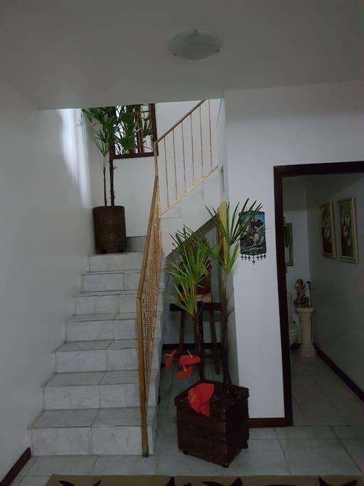 Escadaria para o segundo piso