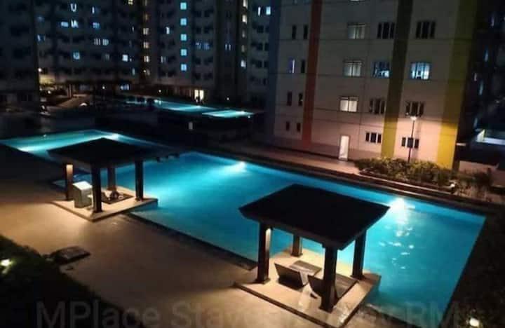 Cheap condo rent @ Mplace Quezon City
