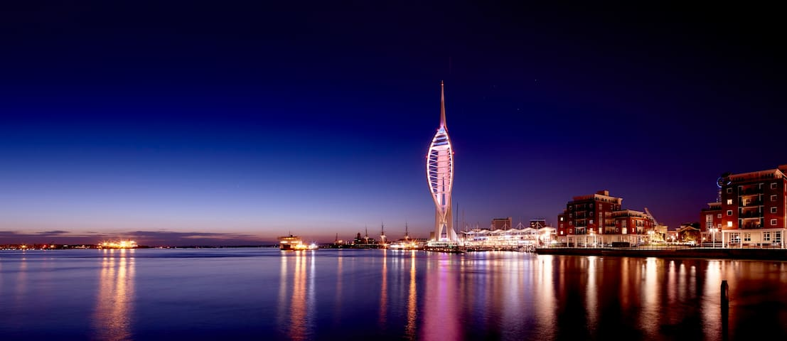Apartment view Spinnaker Tower & Lift