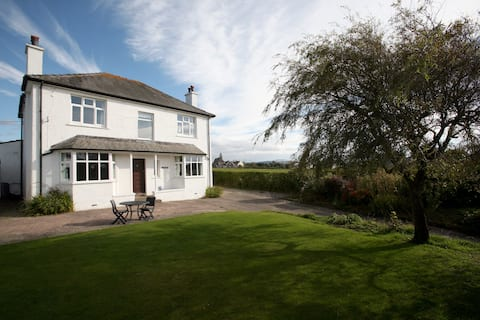 Tamarisk three rooms between the Fells and the Sea