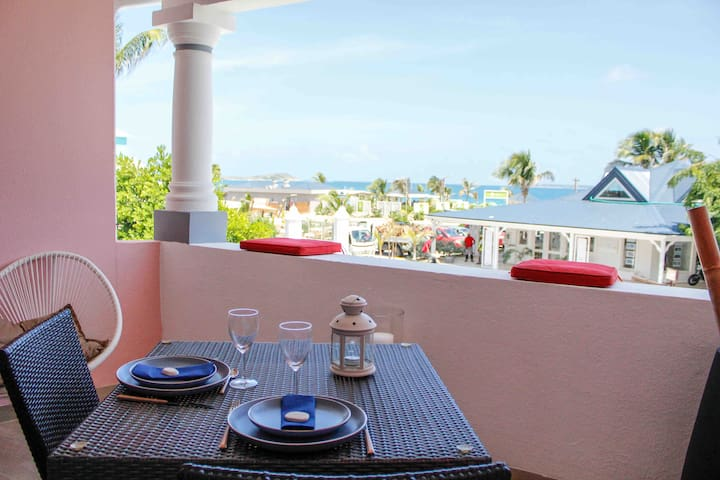 Stunning new apartment with view in Orient Bay