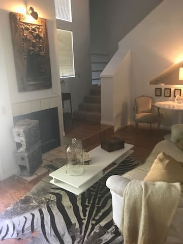 Bed breakfast ❤️OF DOWNTOWN PHX! Walk everywhere