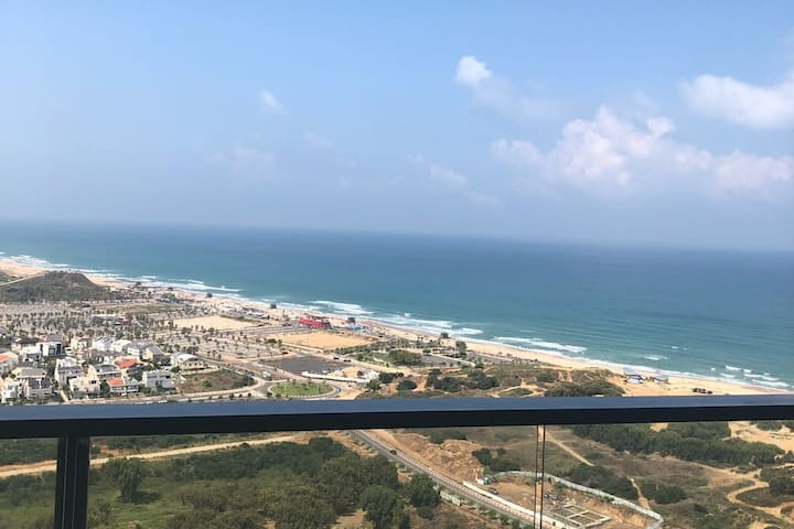 Bat Yam- New apartment ,5 minute walk from beach
