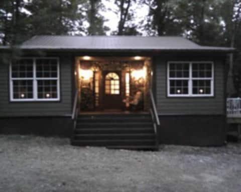 Arlene's Cozy Cabin