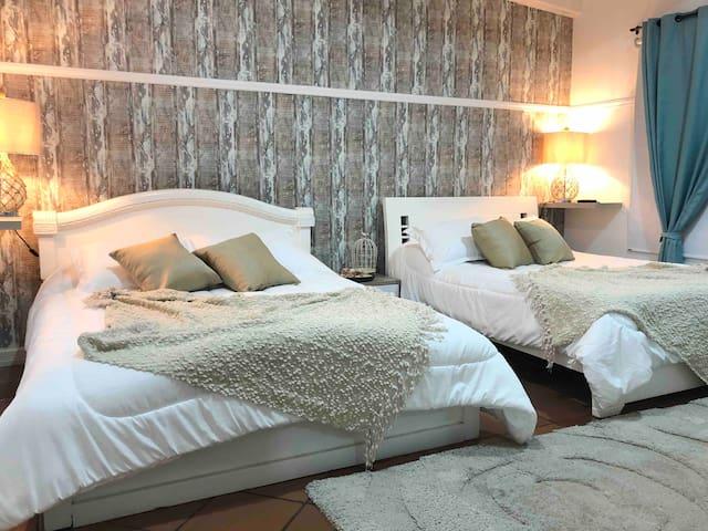 Habitación Extra Doble en Linda Villa en Pradomar