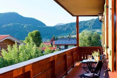Alpine escape/ wrap-around balcony/ dream location