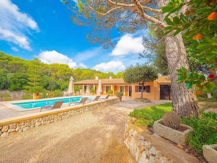 Villa Bell Lloc at Mallorca by Alquilair