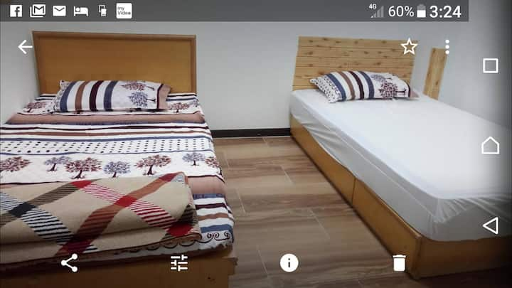 Two single bed room in TianMu, Taipei