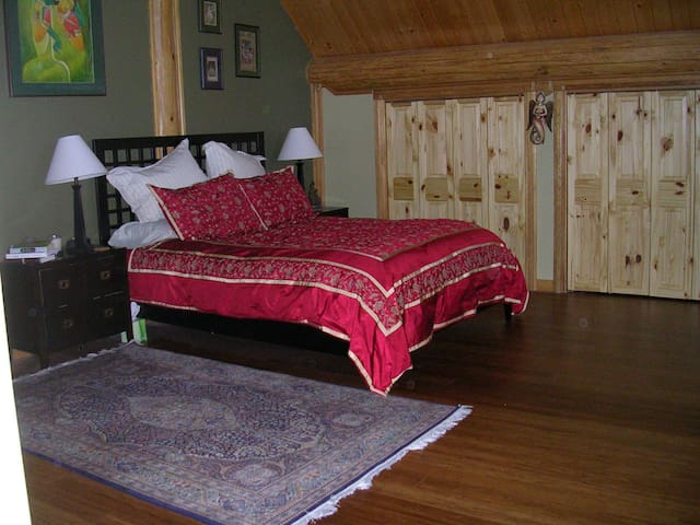 McCall,ID  Log Home Master Suite - McCall - Ev