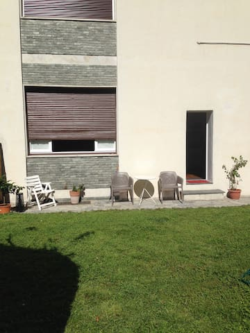 dependance with private garden - Lecco - Hus