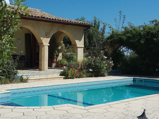 3 Bedroom Authentic Villa with Pool
