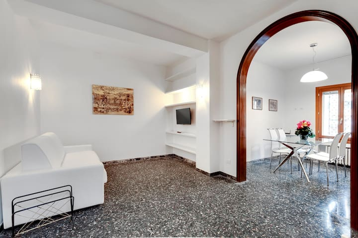 San Polo new apartment with private garden