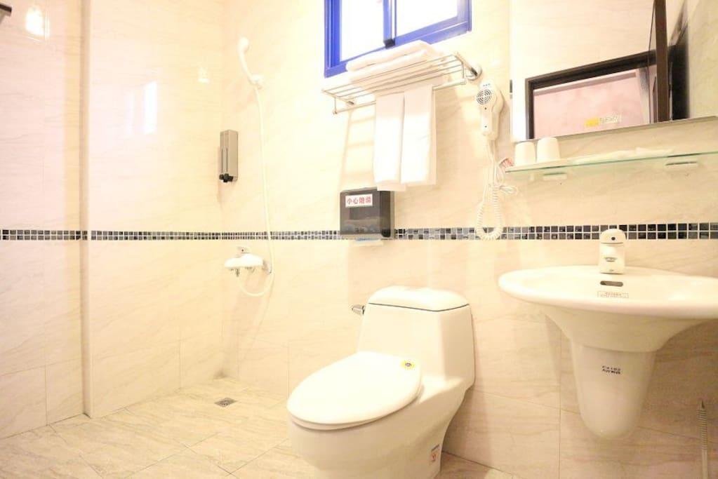 一樓房間 衛浴