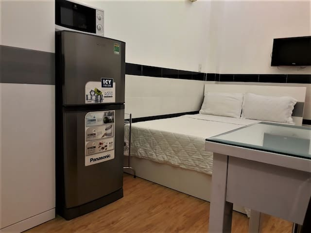 CHEAP APARTMENT NEAR CENTER WITH KITCHENETTE