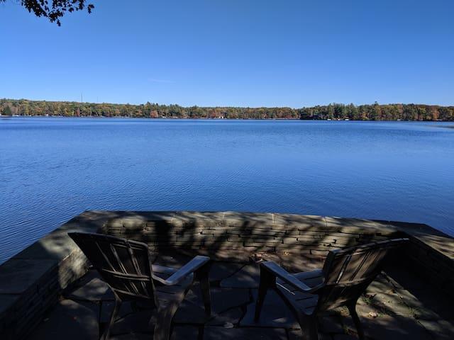 Great Lakefront Getaway