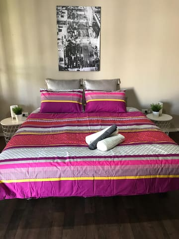 Stylish comfortable room in Cowra - B