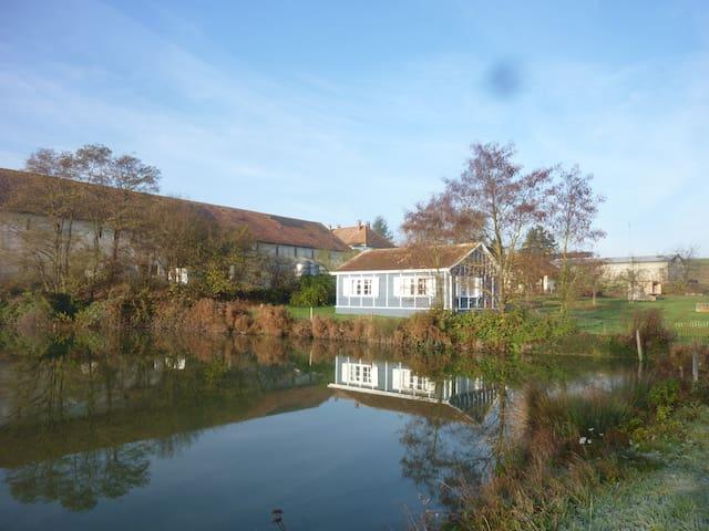 la petite maison au bord de l'eau - Altkirch - Hus