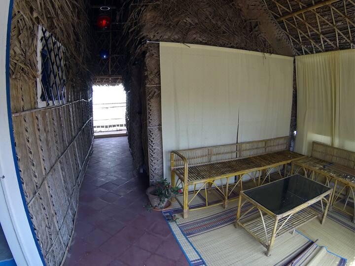 Unique thatch cabin 1