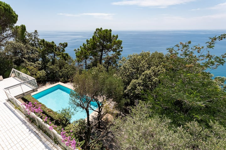 Villa Elisabetta, luxury property in Moneglia