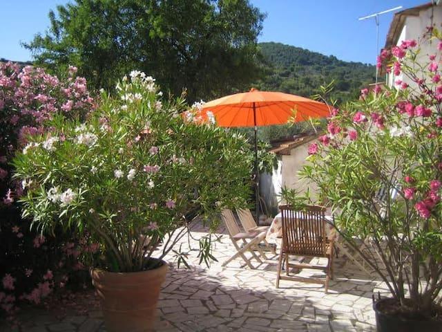 Häuschen + Terrasse/Toskana/Maremma - Polveraia - House