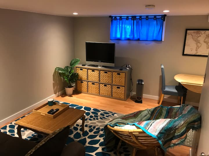 Easy & Cozy Extended Stay (30-day min)