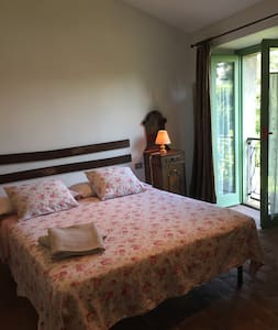 b&b il curlo: room3 with a view for you! - Calvagese della Riviera - Гестхаус