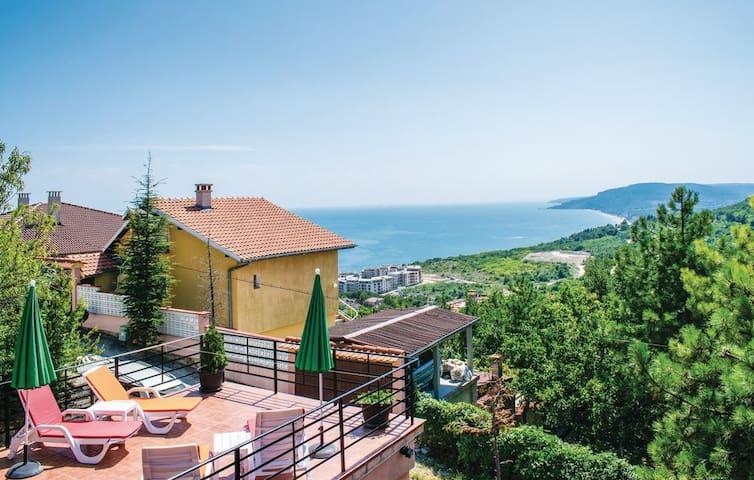 3 Bedroom Sea View Villa in Albena