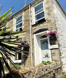 Quirky cottage nr.  the beach in heart of Newquay