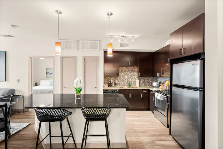 Kasa | Dallas | Family Perfect 2BD/2BA Medical District Apartment