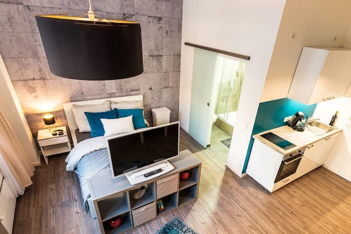 ♥comfortable modern loft-apt, only 15 min to city♥