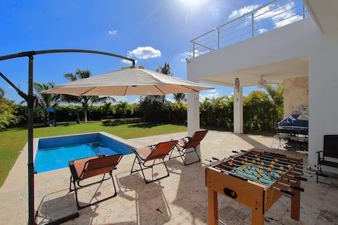 Villa w/ private pool inside Bahía Príncipe Resort