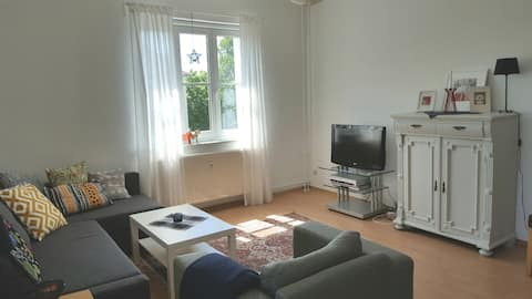 Bright, spaceous room south of Neukölln