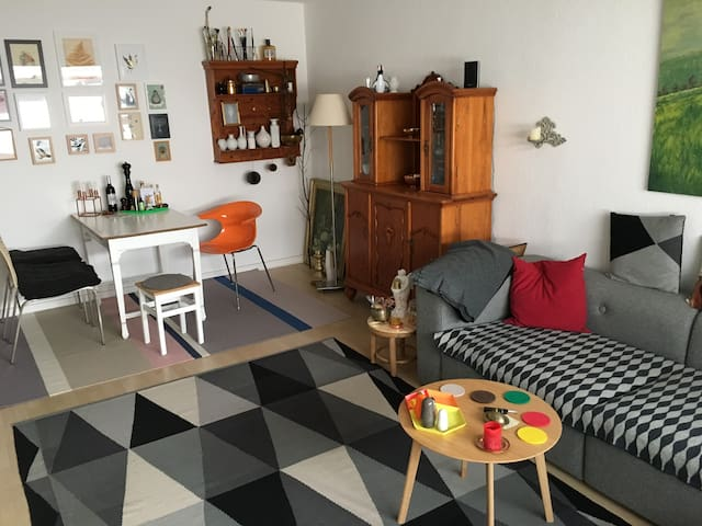 Wohnzimmer plus Schlafzimmer in der Schanze ☺