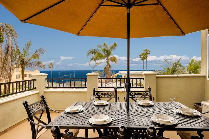 20% OFF THRU FEB! Coastal Beauty, 3 Houses to Beach w/Jacuzzi, BBQ+Pool Table
